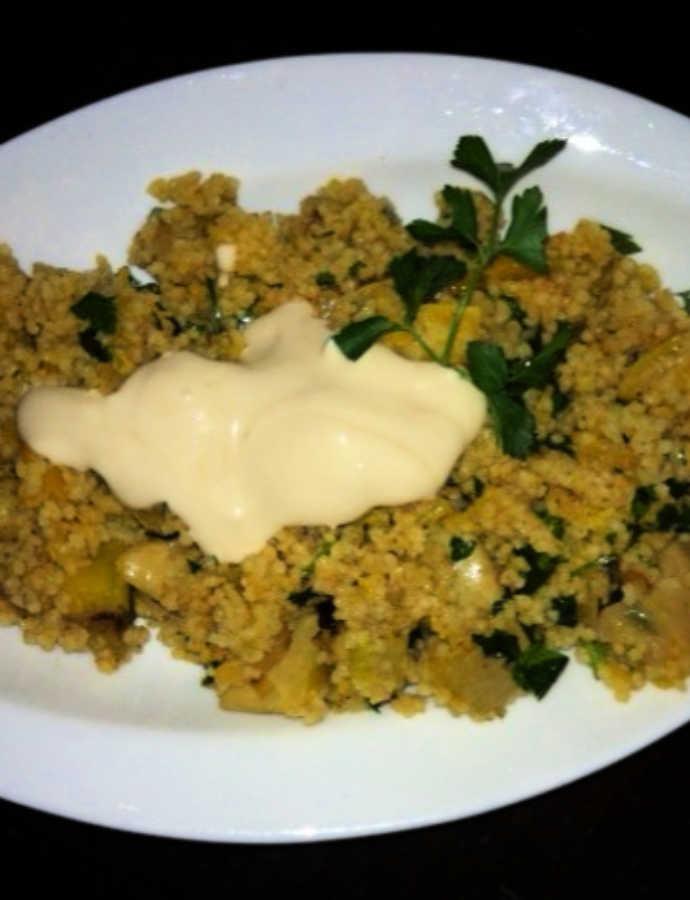 Couscous mit getrockneten Aprikosen und Kürbis