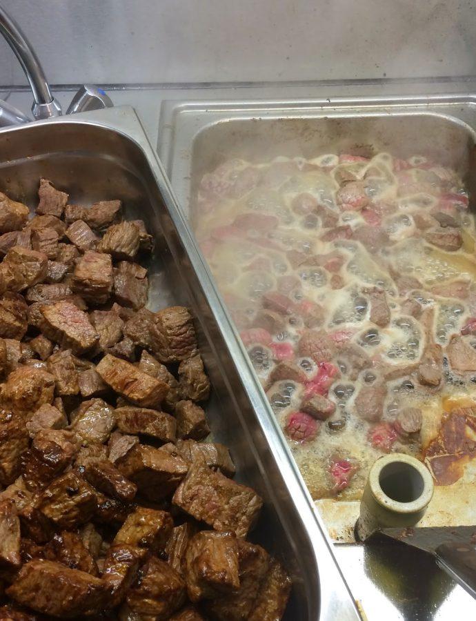 Orientalisches Rindsgulasch aus dem Ofen
