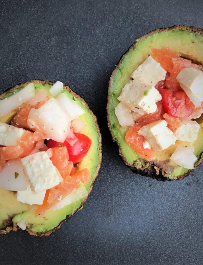 Avocado gefüllt und gegrillt