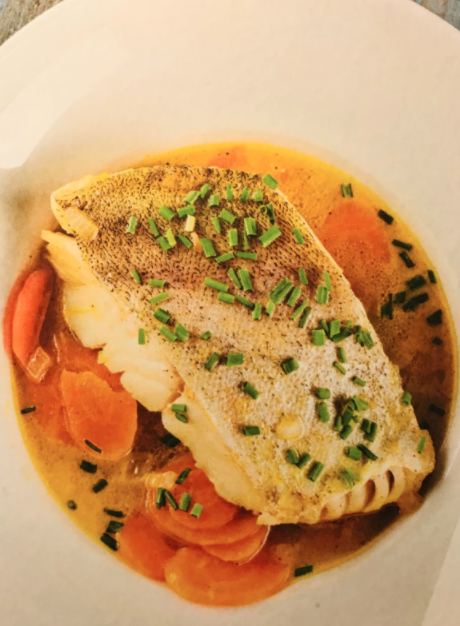Fisch in Möhren-Bouillon – frei nach Kommissar Dupin