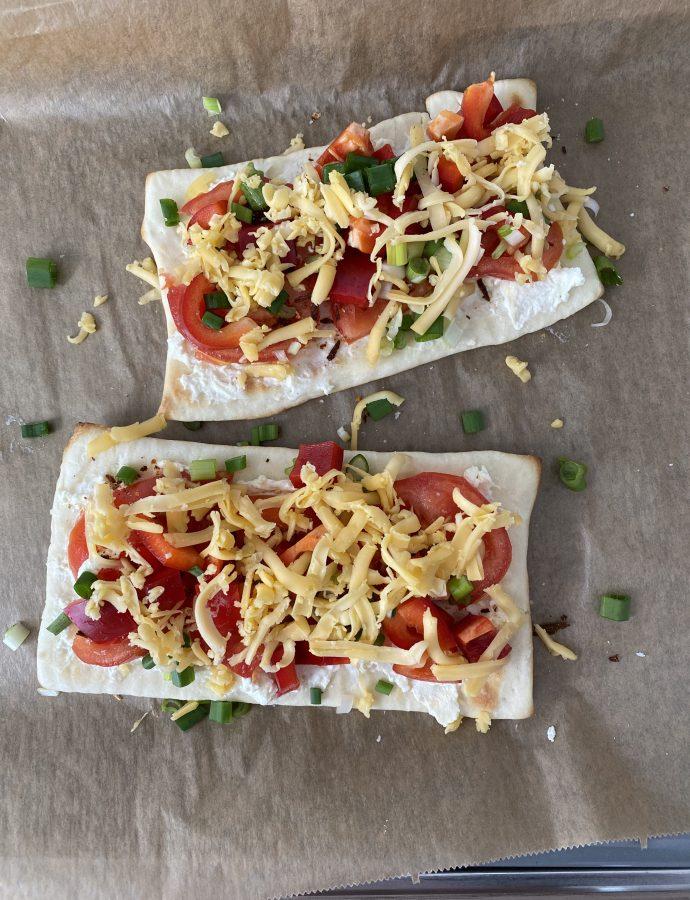 Pizza Tomate mit Mamas bester Bruschetta