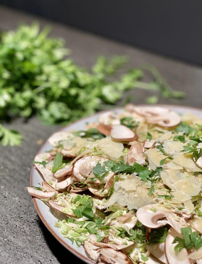 Rosenkohlsalat mit Trüffelöl und Parmesan