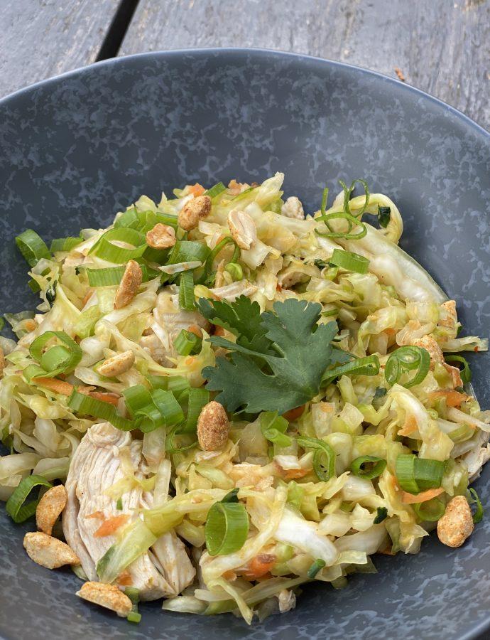 Indonesischer Krautsalat mit Huhn